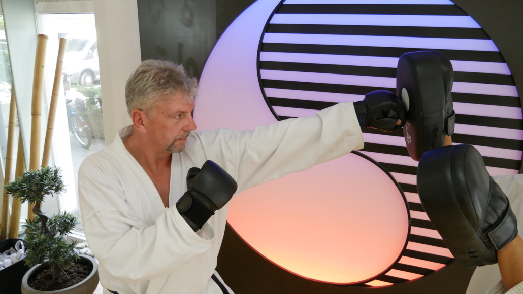 Kampfkunst Programm für Erwachsene Mann Boxtraining