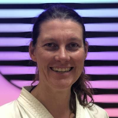 Dr. Simone Zier